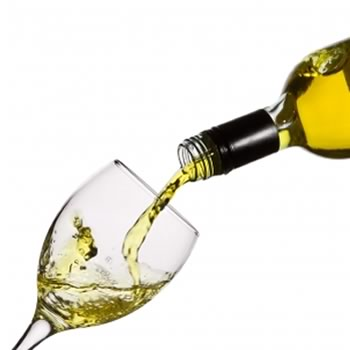 image of bottle pouring wine representing the wine tasting, wine pairing at north side bistro st. thomas usvi